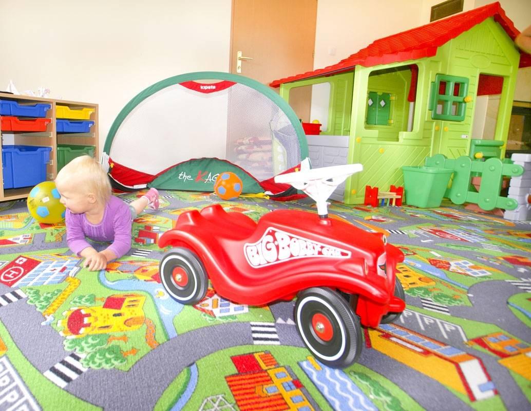 Zdjęcie ma na celu pokazanie możliwości, jakie przed dziećmi otwierają się w pokoju zabaw - pensjonat Karkonoski*** SPA w Karpaczu.