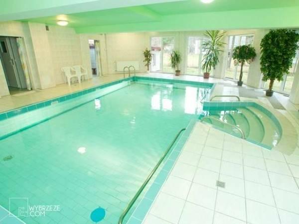 Dokładnie takie atrakcje zapewnia basen w ośrodku wypoczynkowym MIRA-MAR - obiekt turystyczny nad morzem z Pogorzelicy.