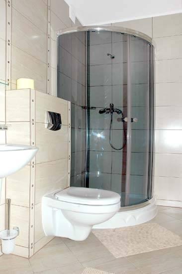 Tak prezentuje się łazienka w pensjonacie VEGA (ul. Mazowiecka 21, 72-346 Pobierowo)