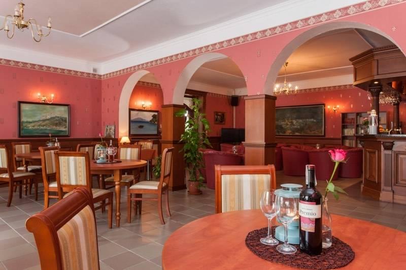 Resort Bałtyk z Rewala oddaje swoim gościom do dyspozycji całkiem przestronną jadalnię.