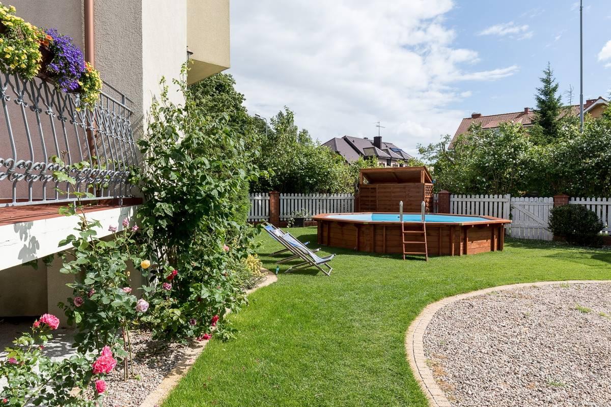 Na zdjęciu widzimy ogród przy resorcie Bałtyk Resort w Rewalu