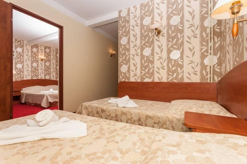 Zdjęcie przedstawia łoże w resorcie Bałtyk