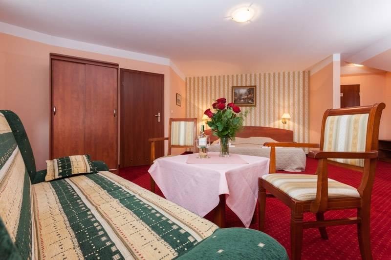Na fotce przedstawiony jest pokój w resorcie Bałtyk w którym możecie Państwo się zatrzymać podczas pobytu w Rewalu