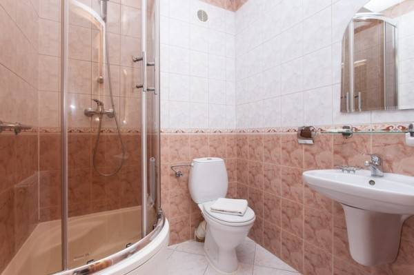Przykładowa łazienka w pokoju Pensjonat BUMERANG (nad morzem, woj. zachodniopomorskie)
