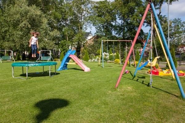 Plac zabaw w pokoju Pensjonat BUMERANG w Rewalu powstał z myślą o najmłodszych gościach, którzy będą wypoczywać nad morzem.