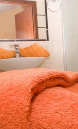 Na fotografii widzimy łazienka w pokoju Pensjonat EUROBAŁTYK nad morzem