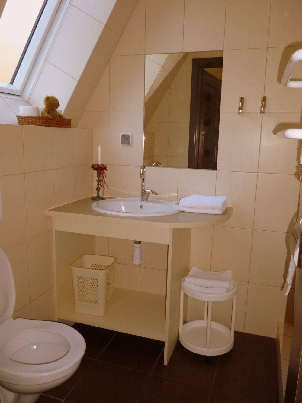 Dom Gościnny Dom Gościnny H2O nad morzem posiada tak wyposażone łazienki