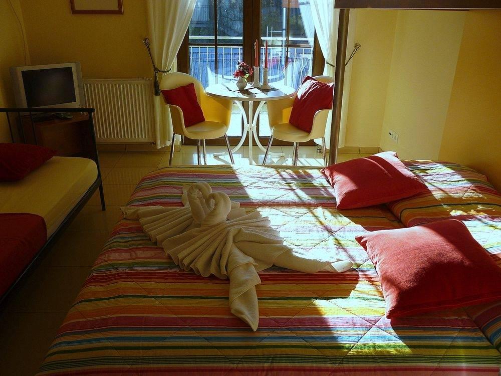 Dom Gościnny Dom Gościnny H2O w Pobierowie - zdjęcie łoża małżeńskiego