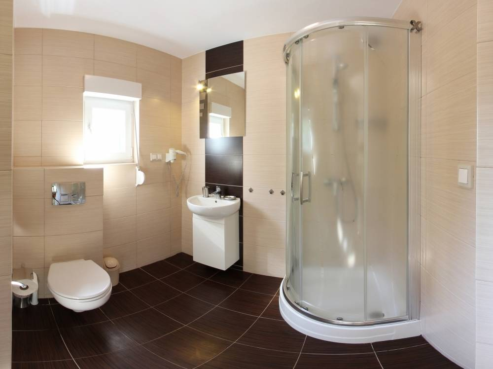 W apartamencie Apartamenty POD MUZAMI w Rewalu można skorzystać z łazienki przedstawionej na fotografii