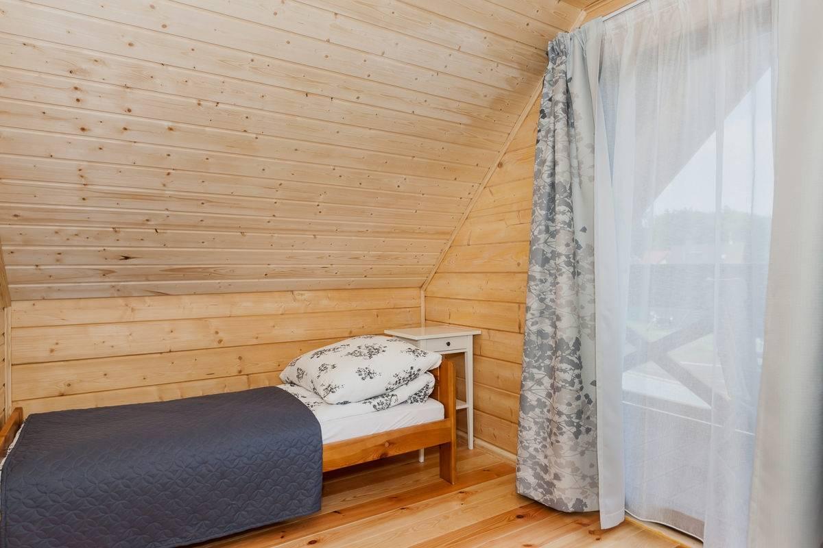 Ośrodek Wypoczynkowy Domki i Pokoje BOSMAN - spanie w pokoju
