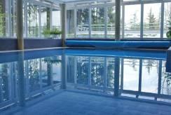W hotelu Hotel CORUM ***. Zdjęcie w pobliżu basenu.