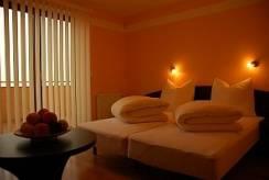 Spanie małżeńskie w domu wczasowym Holiday House EUROPA