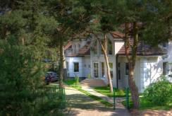 Obiekt MORSKA FALA pokoje apartamenty domki od zewnątrz - pokój nad morzem.