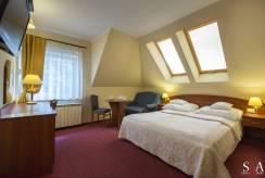 Spanie małżeńskie w obiekcie MORSKA FALA pokoje apartamenty domki