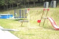 Dziecięce harce w górach - plac zabaw pokoju Rezydencja AS z Karpacza.