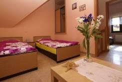Widok pokoju w domku letniskowym DOMKI PEDRO