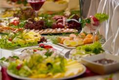 Kuszące propozycje na szwedzkim stole. Pensjonat PENSJONAT ŚNIEŻKA SPA***.